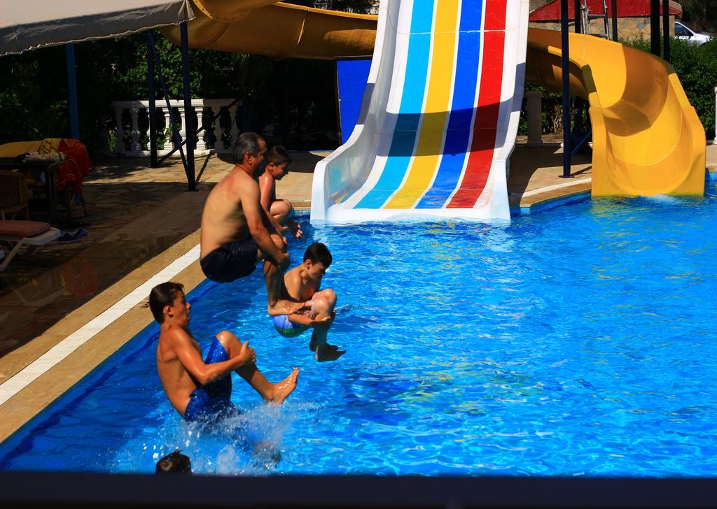 Havuz Keyfi İbrahim Bey Hotel'de Yaşanır